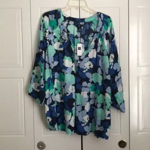 NWT Gap Outlet Top